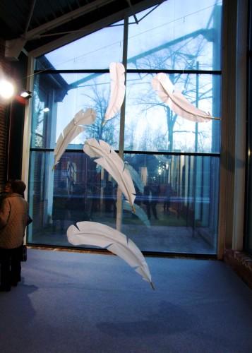 agneta b.lind,4generazioni di artiste_2009_imbiancheria del vajro_Chieri_piume
