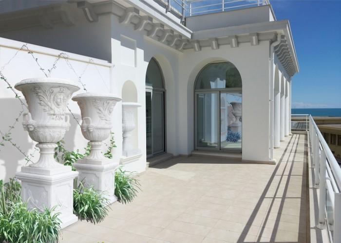 architetturaTiberio_Penthouse Garavan98_balcone attico in stile