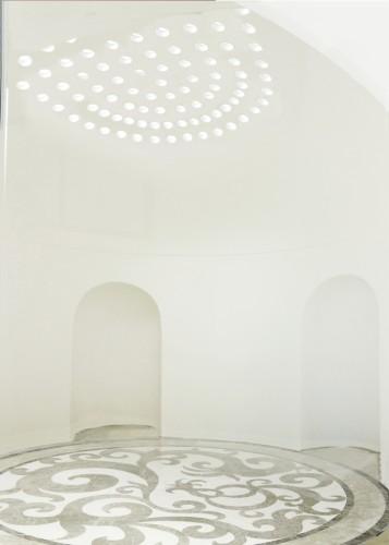 architetturaTiberio_Penthouse Garavan98_camera rotonda marmo 2