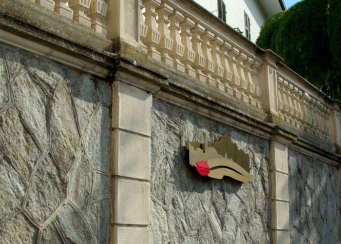 monumento agli Alpini di Cavoretto visto da tre quarti